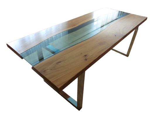 Stół z niebieską szybą